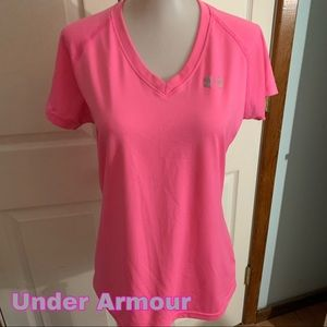 Under Armour size s small heat gear top shirt